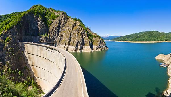 Vidraru, Romania: una diga che produce energia idroelettrica