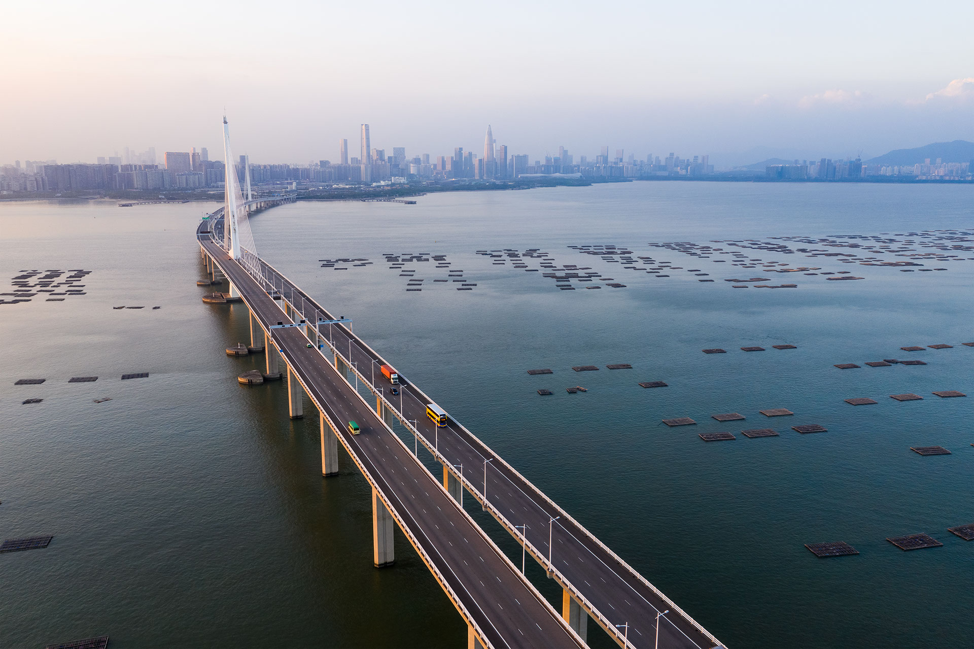 China's Gargantuan New Bridge Across The Pearl River