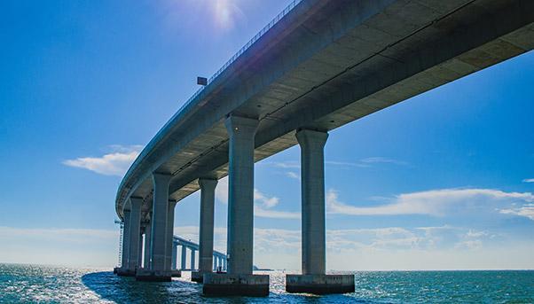 ponte di Macao dal basso